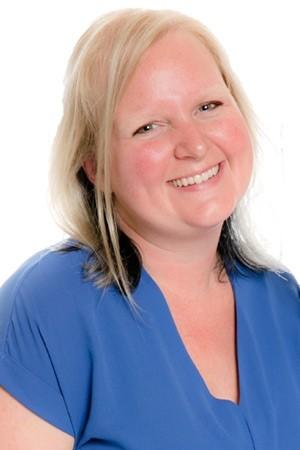 Robyn, Marketing Services, Graphic Design